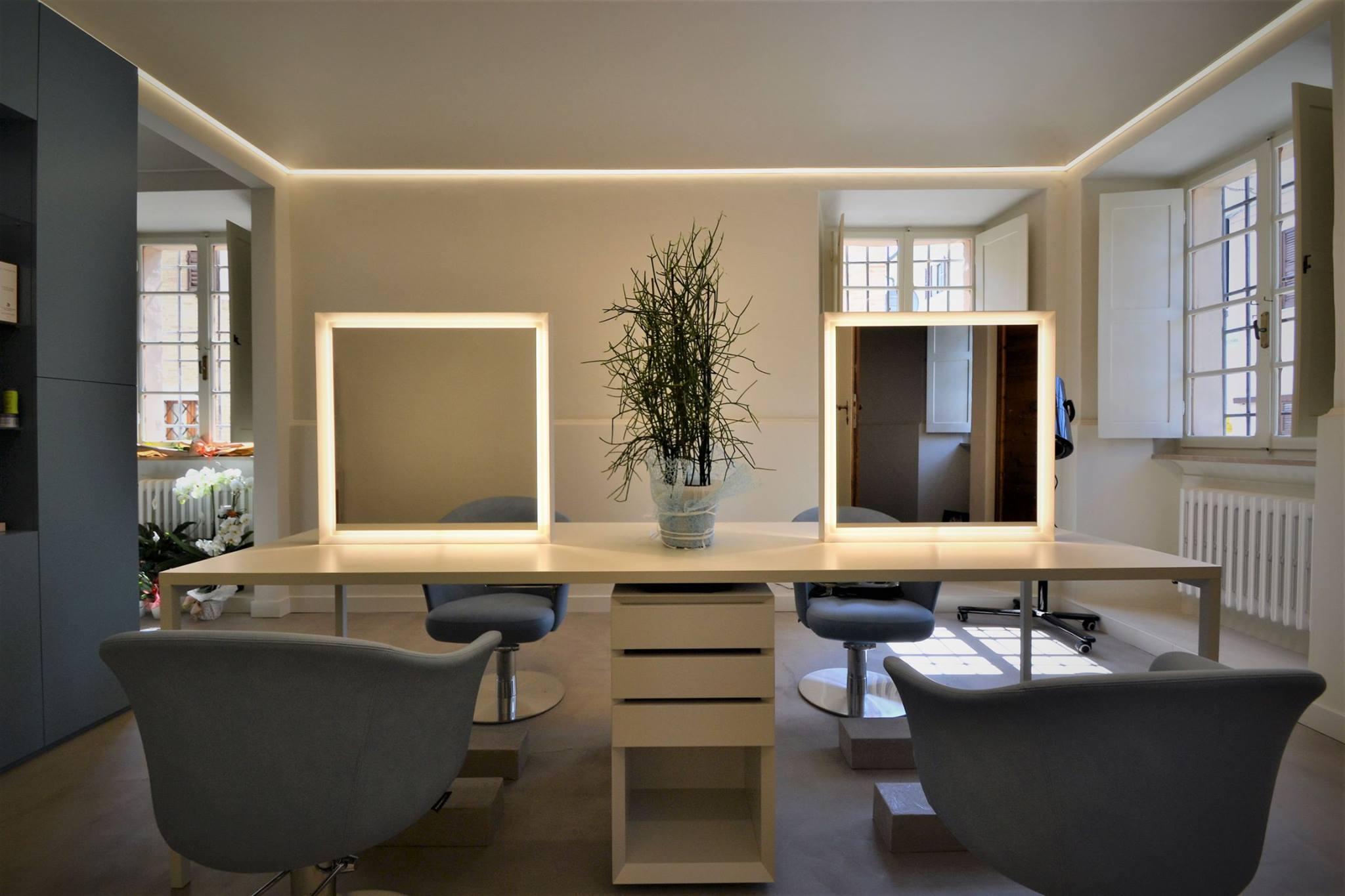Arredamento casa completo economico ufficio completo with for Arredamento ufficio economico